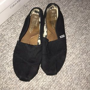 EVERYTHING MUST GO!!! Black Toms!